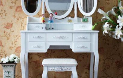 Toaletní stolky do ložnice se vrací